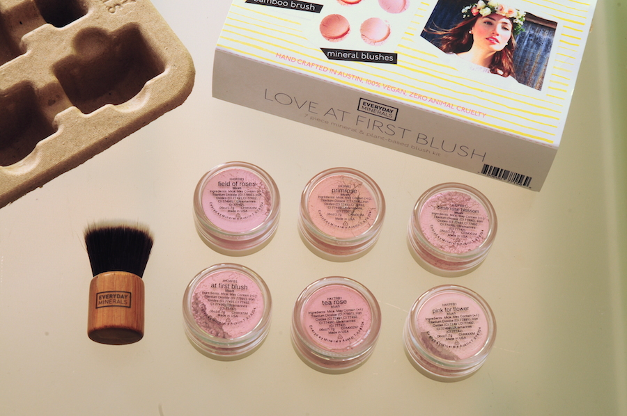 Everyday minerals Love at first blush set